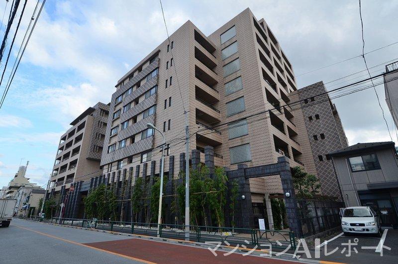 ルネ上野桜木ARTSHILL街の棟